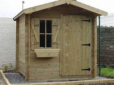bois pour abri de jardin impossible de ne pas craquer pour une cabane de jardin en
