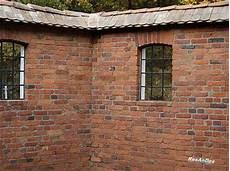 mauern mit alten backsteinen alte ziegelsteine klosterformat ziegel historische