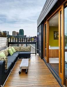 mobilier de balcon mobilier de balcon et toit terrasse en 50 id 233 es modernes
