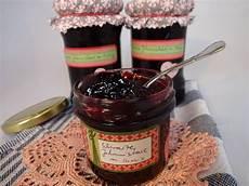 Schwarze Johannisbeere Rezepte - schwarze johannisbeer konfit 252 re mit lik 246 r rezept mit bild
