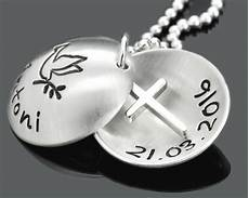 kleines geschenk zur taufe taufkette mit kreuz taufschmuck mit gravur geschenk zur