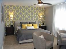 Tapete Schlafzimmer Grau - grey bedroom wallpaper grey bedroom designs popular