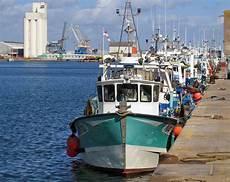 un salaire minimum pour les p 234 cheurs mer et marine
