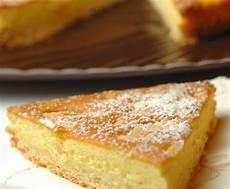 torta di mele con crema pasticcera bimby torta con crema pasticcera senza uova la ricetta per preparare la torta con crema pasticcera