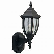 heath zenith 180 degree black country cottage lantern with clear beveled glass hz 4191 bk the