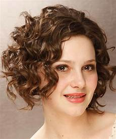 short curly hairstyles for