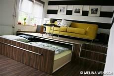 podest wohnzimmer bett podest google suche ausziehbares bett wohnen