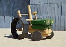 spielgeräte garten selber bauen play tractor made of wood ziegler spielpl 228 tze