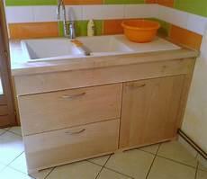 evier en bois massif a la cuisine bois en couleurs