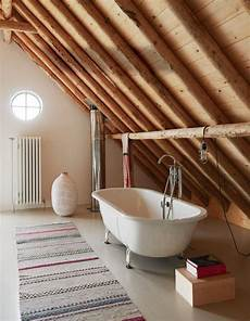 baignoire transformée en les vieilles granges transform 233 es en maisons lofts