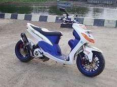 Modifikasi Mio Lama by Modifikasi Motor Mio Sporty Bergaya Thailand Look