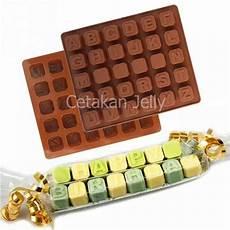 Cetakan Puding Coklat Uppercase Box Iii Huruf Besar