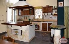 cucina rustica con camino con penisola cucine in finta muratura cucine in finta