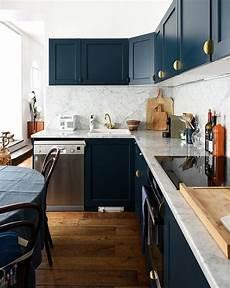 meuble cuisine bleu meubles de cuisine bleu marine et boutons de portes dor 233 s