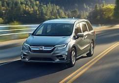 2018 Chrysler Pacifica Vs Honda Odyssey Comparative