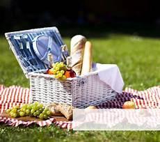 Fahrrad Fahren Mit Picknick Ein Sommer Tag Westwing