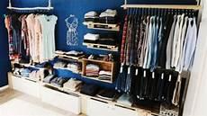 offener kleiderschrank selber bauen begehbarer kleiderschrank oder regalsystem kleiderschrank schranksystem und begehbarer