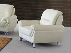 types de fauteuils de salon salon en cuir ou en tissu quels canap 233 s et fauteuils choisir