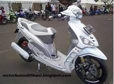 Modifikasi Warna Motor Mio by Gambar Modifikasi Yamaha Mio Warna Putih Polos