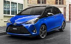 2017 toyota yaris hybrid 5 door wallpapers and hd images