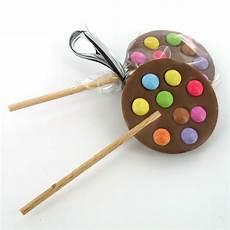 Sucette En Chocolat Avec Des Smarties