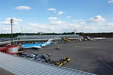 Parken Flughafen Berlin Tegel - huis muur berlin tegel txl airport