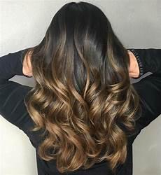 caramel braune haare braune haare mit highlights balayage technik zu hause