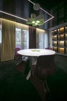 tavolo corian ladario e tavolo realizzati a mano in corian e muschio