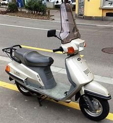 Buy Motorbike Pre Owned Yamaha Xc 125 Beluga Cahenzli