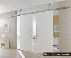 glasschiebetür in wand wei 223 e schiebet 252 ren kombiniert mit glas als raumteiler