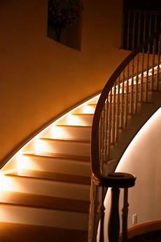 die besten 25 treppenbeleuchtung led ideen auf