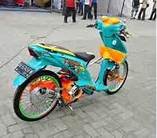 Modifikasi Beat 2010 by Modifikasi Motor Honda Beat 2010 Modif Kontes Kumpulan