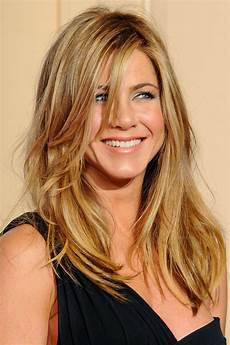 jen aniston hairstyles aniston hairstyle 25 style personified aniston hairstyles haircuts