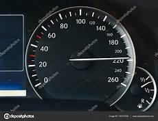compteur de vitesse voiture compteur de vitesse d une voiture photographie gudella 169 132107320
