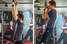 come allenare i bicipiti a casa allenamento per le braccia i 6 migliori esercizi senza