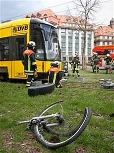 Unfall Dresden Heute - radfahrer bei verkehrsunfall schwer verletzt neustadt