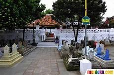 Foto Menengok Makam Sunan Gunung Jati Di Cirebon