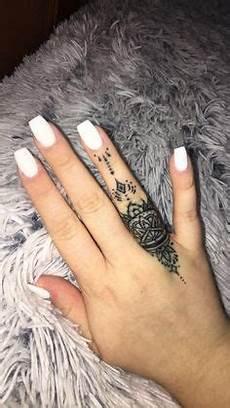 Dainty Detail Ideas Tattoos Finger