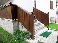 ringhiera in legno per esterno ringhiere