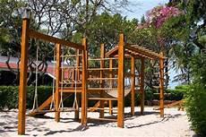 Kinderspielplatz Selber Bauen - 10 free diy wooden swing set plans sunlit spaces diy