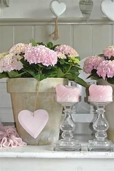 Shabby Chic Accessoires - mooi roze accessoires voor in huis bloemen