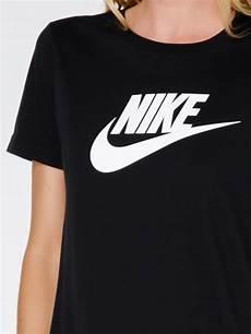 nike logo t shirt in black