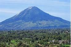 39 Gambar Pemandangan Gunung Di Indonesia Terindah