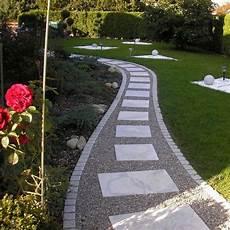 Pave Pour Allee De Jardin All 233 E Jardin En Gravier Ardoise Et Bois Cr 233 Er Une All 233 E