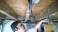 Comment Faire Un Plafond Suspendu Faire Faux Plafond Placo Sous Plancher Bois La Pose Des