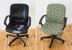 Stühle Neu Beziehen Kunstleder - diy anleitung einen stuhl mit stoff beziehen