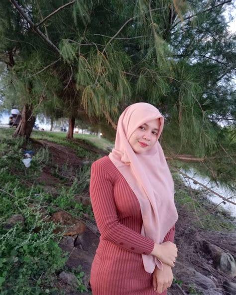 Dara Mir Sister