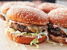 Veggie Burger Rezept - 2 awesome vegetarian burgers even a carnivore