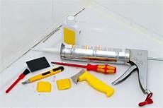 fugensanierung acryl silikon 252 berstreichen oder entfernen