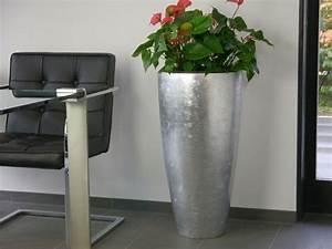 Blumenkubel zaza aus fiberglas in silber bei east west for Garten planen mit fiberglas pflanzkübel silber